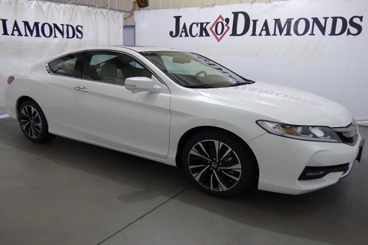 We are loving this New 2016 Honda Accord Coupe EX-L