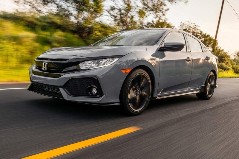 Honda Returns to the Drawing Board with 2017 Civic Hatchback Spo